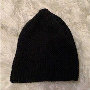 Basic Black Knitted Beanie